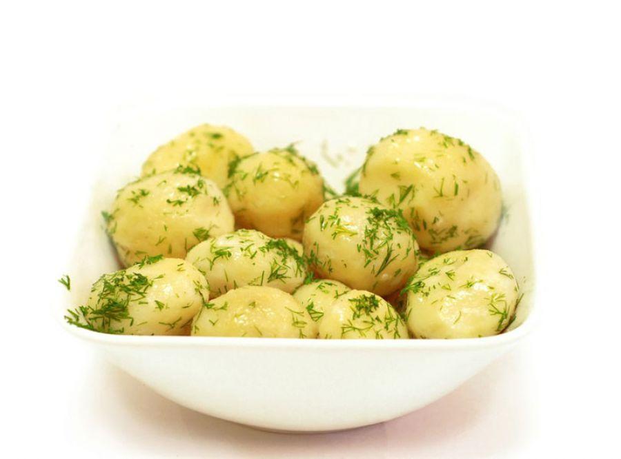 Вареная картошка с чесноком и зеленью рецепт