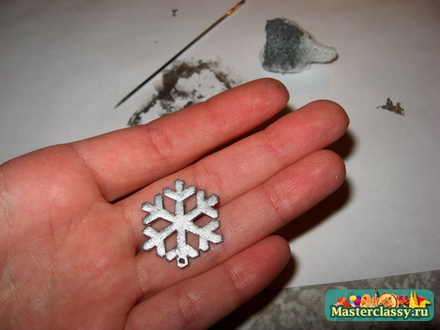 Снежинки из пластика своими руками