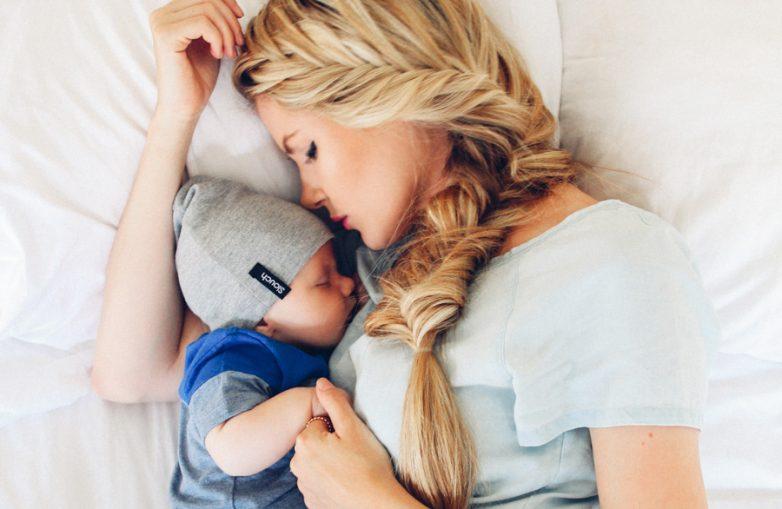 Родная мать лоскаеть своего сыну 4 фотография