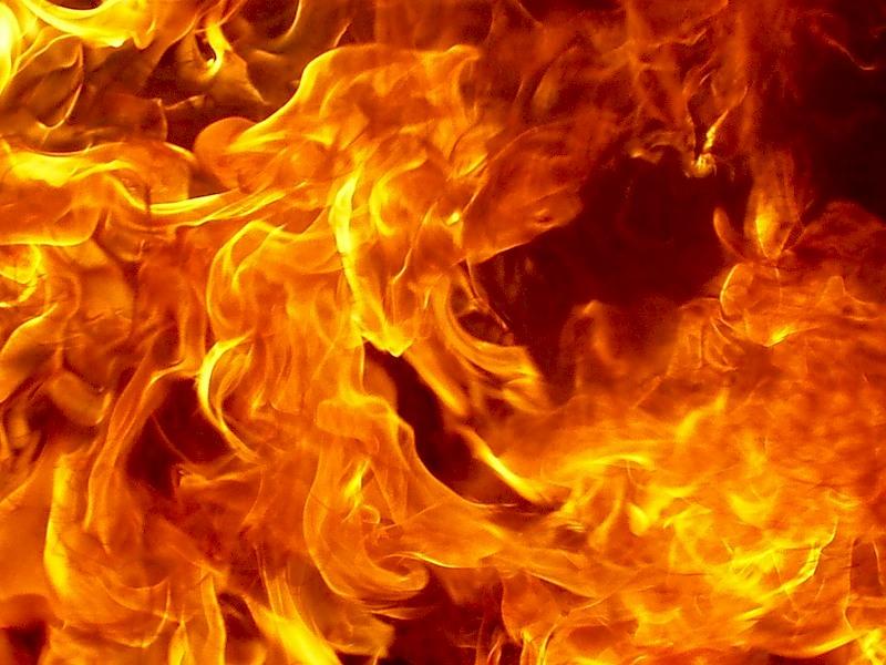 На Херсонщині священик УПЦ МП демонстративно спалив бланки зі зверненням до Константинопольської патріархії