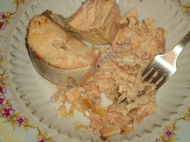 Рецепт салата из консервированной горбуши с пошагово