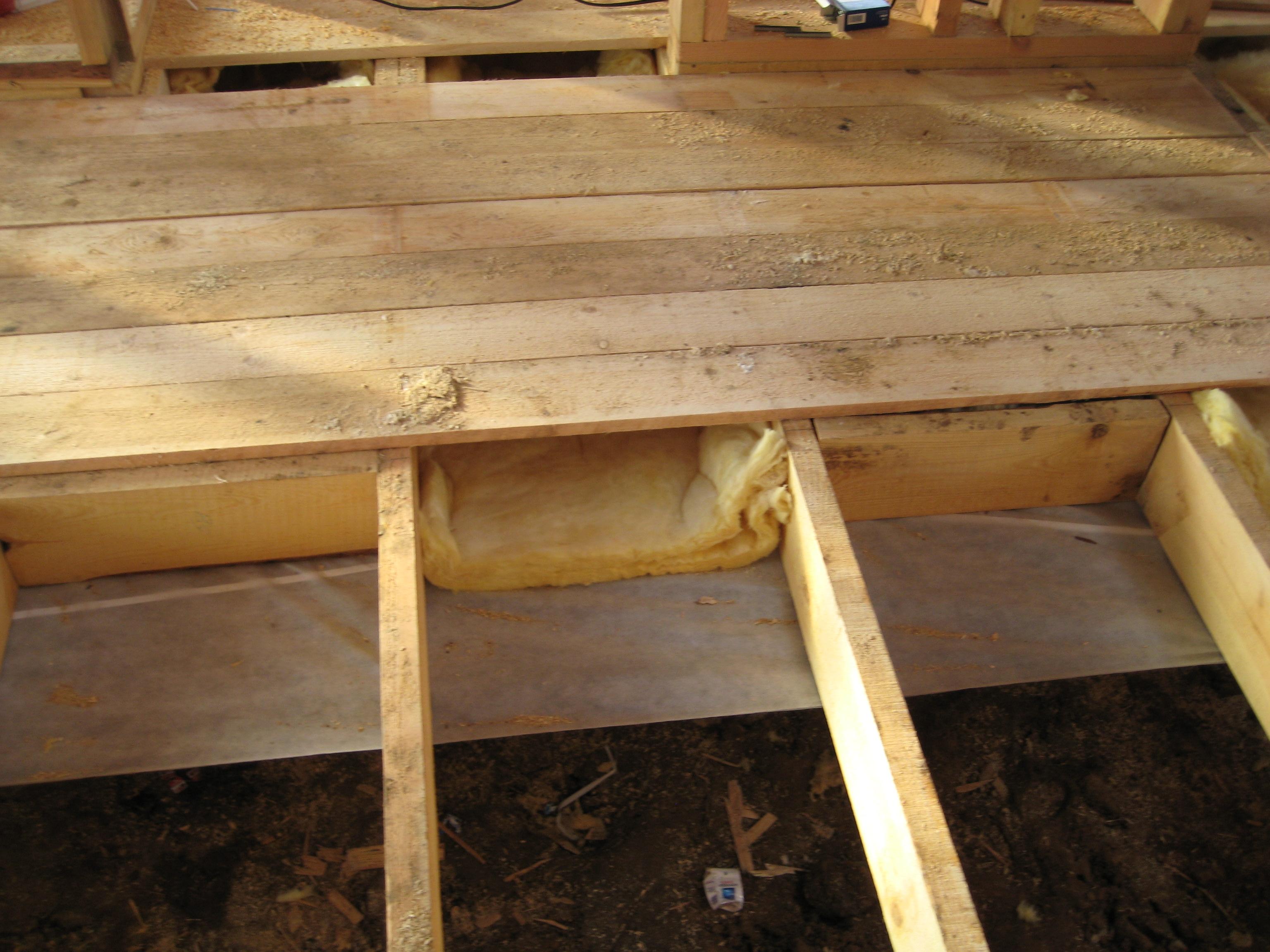 Полы в деревянном доме с осби